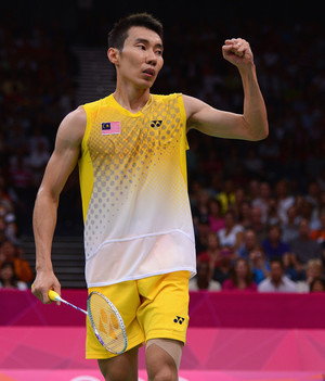 Lee Chong Wei loses to Lin Dan in the London 2012 finals. Malaysia still LOVES you!