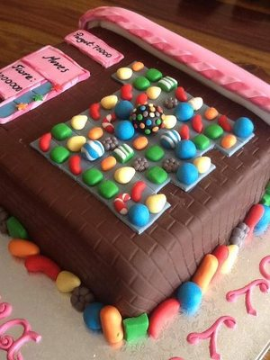 6 Cakes to Make You Love/Hate Candy Crush Even More