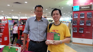 Award-Winning Malaysian Author Celebrates Homecoming With Autograph Session